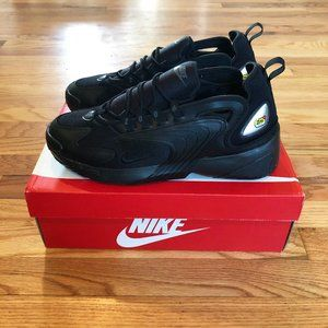 Brand new men's Nike Zoom 2K shoes - size 10